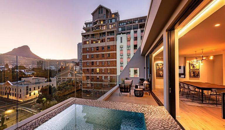 Labotessa, Cape Town